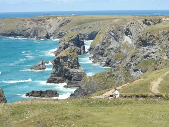South West Coast Path Walk - Newquay's Twin Headlands from Newquay Station