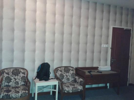 D Eastern Hotel: room