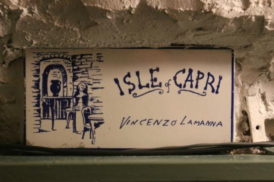 Isle of Capri: targa in maiolica