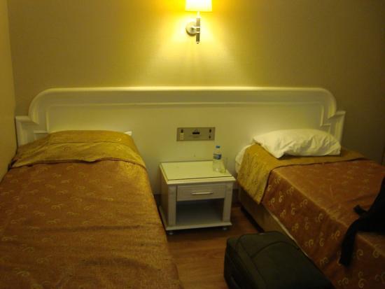 Fuar Hotel: Кровати