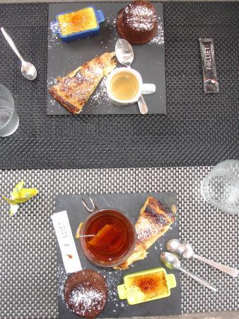 Montsegur, Francia: Impossible de choisir parmi les desserts, alors un p'tit bout de chacun...