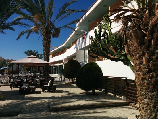 Moniatis Hotel: 5