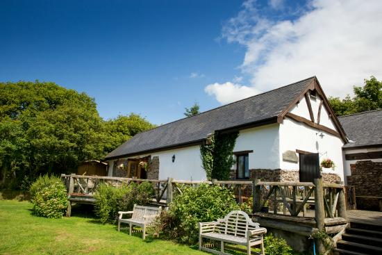Country Ways Holiday Cottages: The Corn Barn