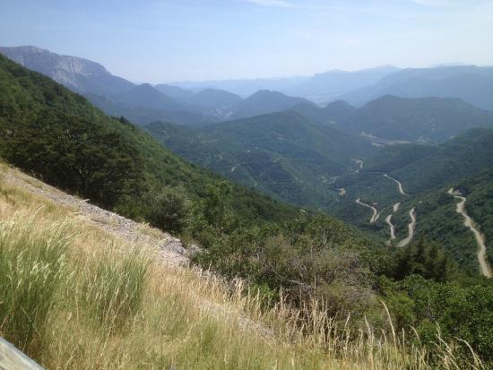 Rousset, Prancis: Vue depuis le sommet du col vers l'aval