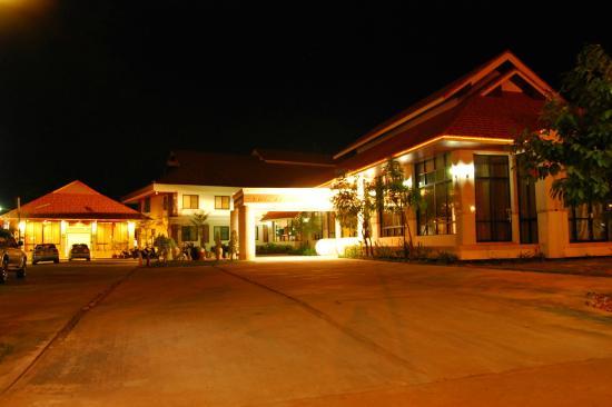 LJ The Emerald Hotel