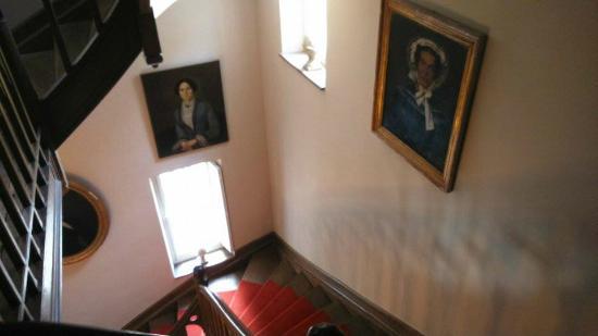 Bed & Breakfast Manoir de Notre-Dame: Escalier
