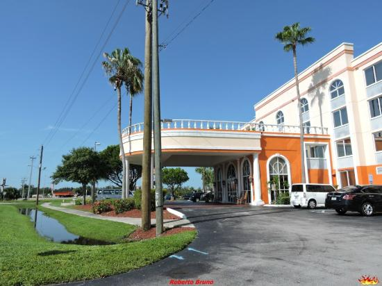 BEST WESTERN Fort Myers Inn & Suites: Esterno