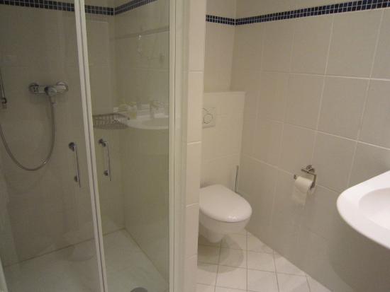 Baltic Hotel : Хорошая ванная