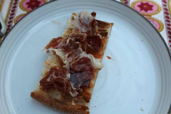 Aderezzo: La COCA de jamón ibérico, ¡Exquisita!