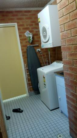 City Stay Apartment Hotel: Washing Machine and Dryer