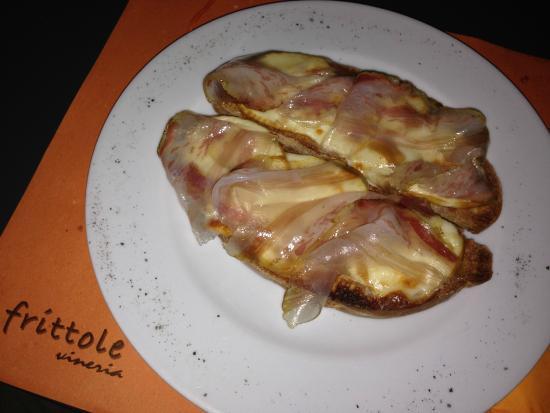 Ristorante Enoteca Lillo Lilla Frittole: Bruschetta con formaggio e prosciutto