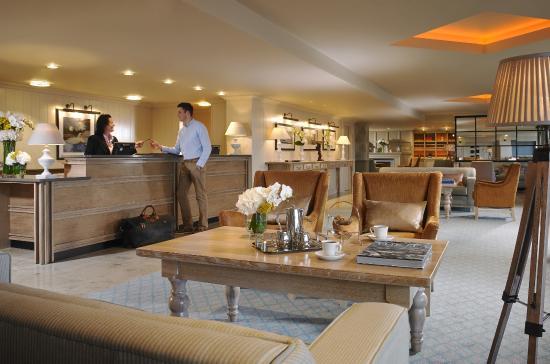 Westport Coast Hotel: Reception