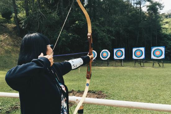 Bukit Fraser, Malezja: Superb fun archery session!
