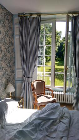 Bezancourt, France : The Blue Room