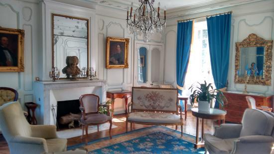 Bezancourt, France : Drawing room