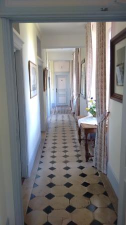 Bezancourt, France : 1st floor corridor