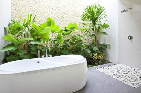 Villa Rendezvous Bali : Master bathroom