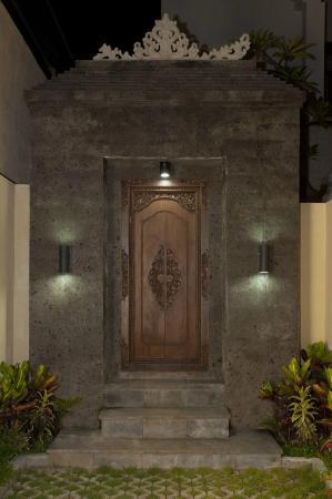 Villa Rendezvous Bali : The Villa entrance