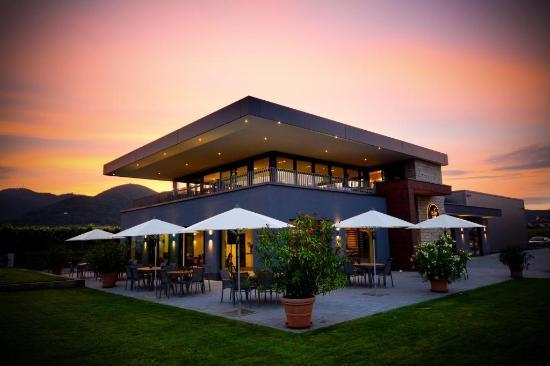 Diedesfeld, Jerman: Unsere Vinothek bei Sonnenuntergang