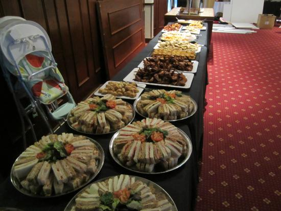 Weald of Kent Golf Course & Hotel: EVENING WEDDING  BUFFET