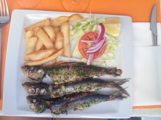 Restaurant Tapas y Punto: stegte friske sardiner