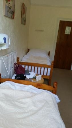 Elmington Hotel: Our 'twin' room!