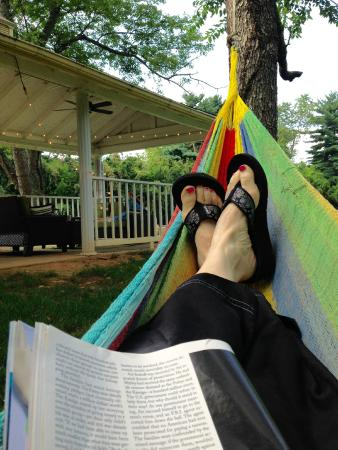 Flint Hill Public House & Country Inn: Hammock time
