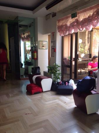Hotel Trocadero: photo0.jpg