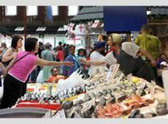 โบลตัน, UK: So many to choose from at Bolton Market.