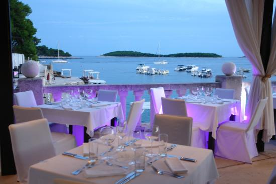 Luxury Wedding Venue With Private Beach: A Perfect Venue For Your Wedding At Bonj 'les Bains' 1927