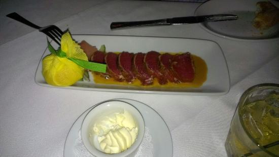 Ruth's Chris Steak House: Ahi tuna appetizer