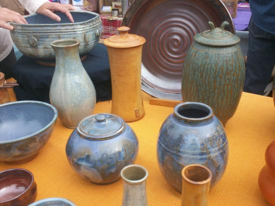Annapolis Royal Farmers' and Traders' Market: beautiful pottery