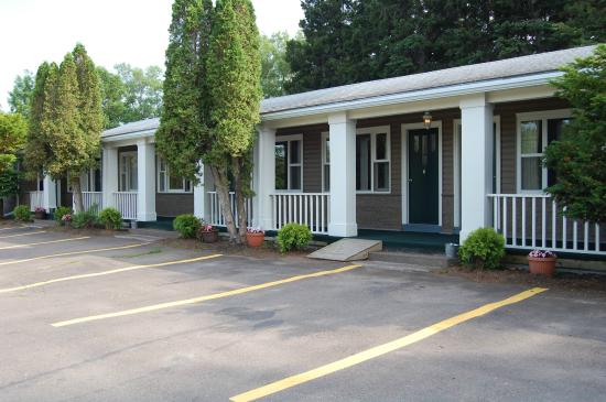 The Lionstone Inn: Cottage es at Limestone Motel Pictou