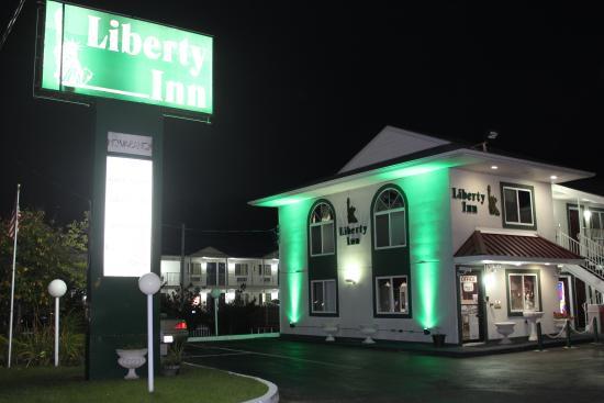 Liberty Inn: Exterior