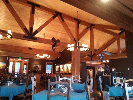 Half Moon Lake Lodge Dining Area