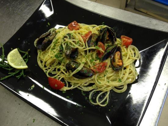 Bagno fiorella tirrenia omd men om restauranger tripadvisor - Bagno fiorella tirrenia ...