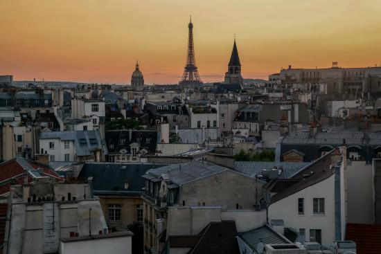 Holiday Inn Paris - Notre Dame: Sunset from the roof