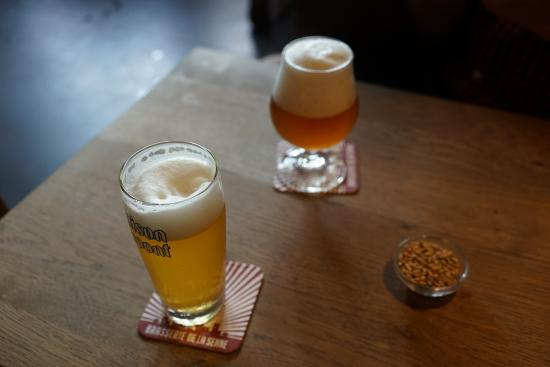 Moeder Lambic Original: sampling some beers from their specials board