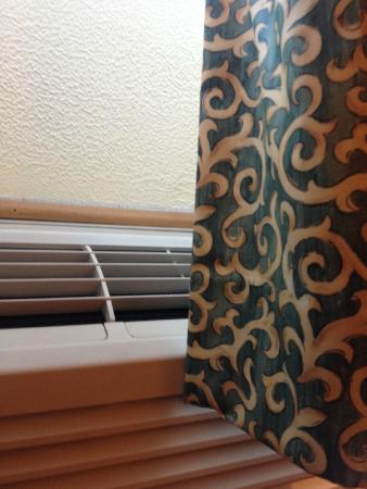 Quality Inn and Suites: New Curtains too long - block HVAC vents
