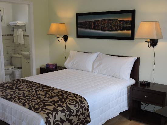 Almo Court Motel : Room 33