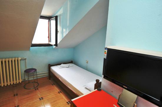 Hotel Pana Kotor : Loftroom