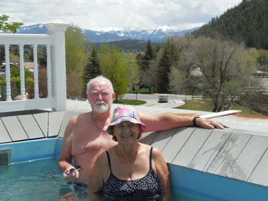 Overlook Hot Springs Spa: Ont the roof
