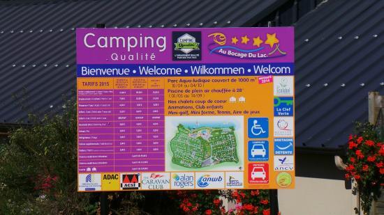 Camping Au Bocage du Lac: panneau d'affichage