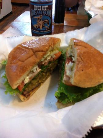 Andice, TX : Hatch Green Chile Cheeseburger