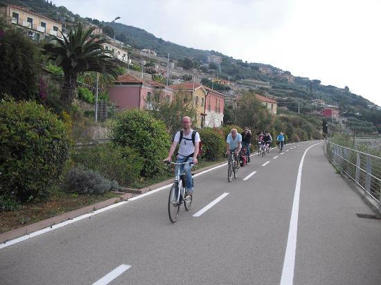 """Elio Sport - Vendita Noleggio Biciclette: Elio´s bikes """"on the road"""""""