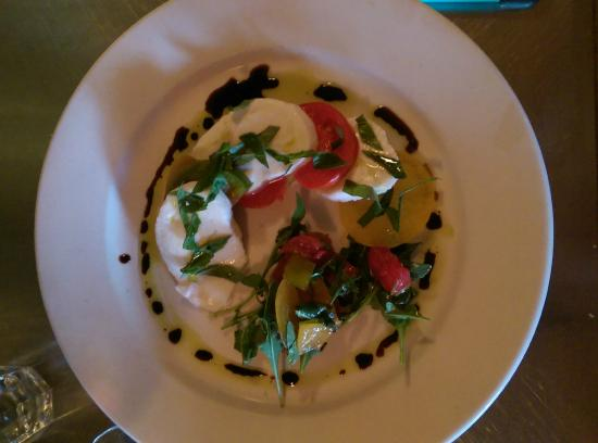 Uva Trattoria Italiana: Heirloom tomato salad