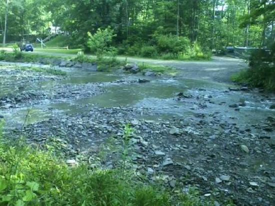 Sugar Creek Glen Campground: creek crossing