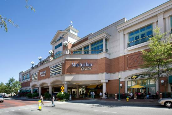 MacArthur Center