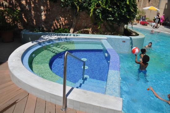 Ideon Hotel: the new pool area
