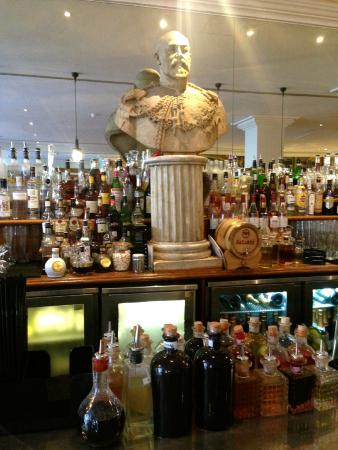 Oscar bar